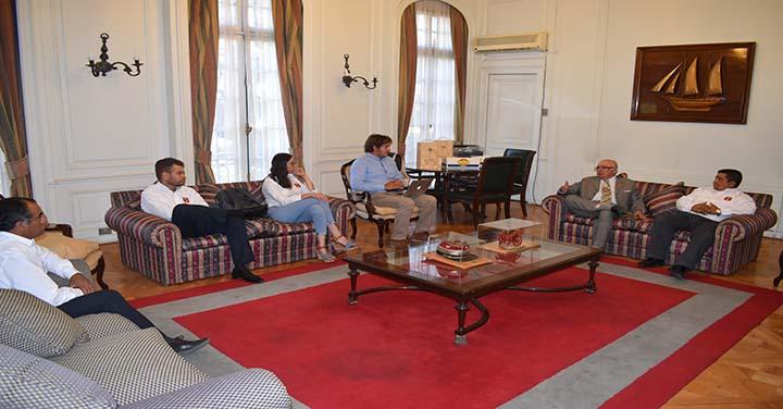 Presidente Nacional recibió a los Cuerpos de Bomberos de San Esteban y El Monte