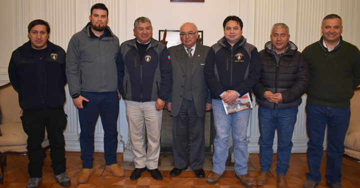 Cuerpo de Bomberos de Tomé visitó a Presidente Nacional