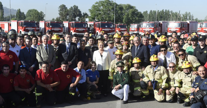 Cuando aún no terminaba su mandato la Presidenta Bachelet agradeció el trabajo desarrollado por Bomberos de Chile
