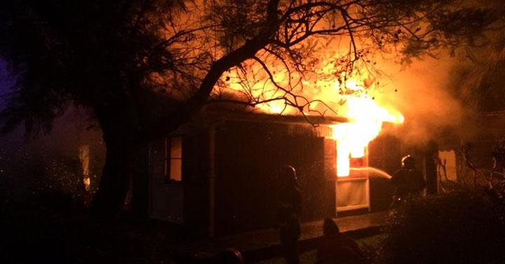 Bomberos de Graneros denuncian robo de implementos mientras combatían incendio