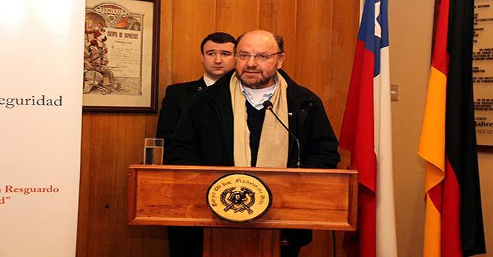 Ministro de Desarrollo Social presidió sesión solemne de la Bomba Germania de Temuco