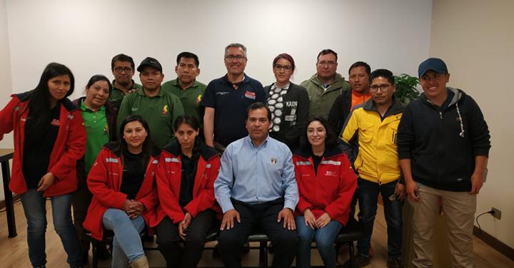 Bomberos de Arica participa en Simposio Internacional de Manejo de Trauma y Desastres en La Paz-Bolivia