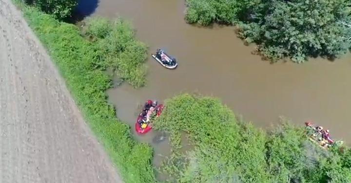 GERSA de Angol encuentra cuerpo de hombre cuyo vehículo cayó a un río en Cañete