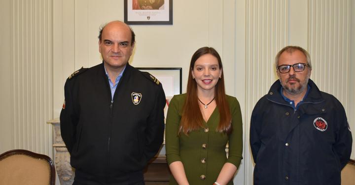 Diputada Camila Flores le presentó al Presidente Nacional dos importantes proyectos en beneficio de bomberos