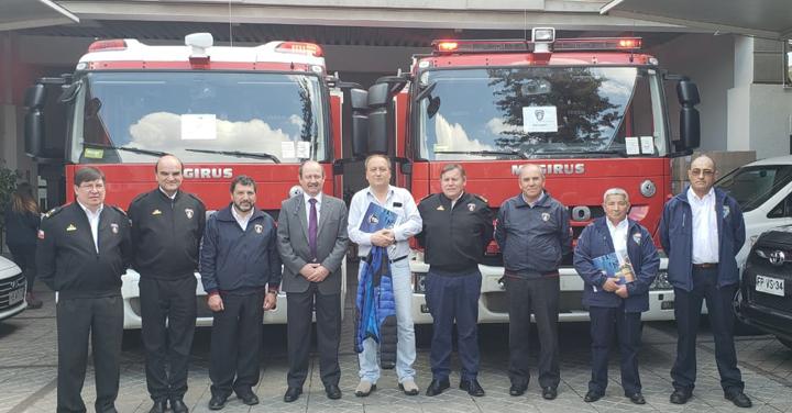 Cuerpo de Bomberos de Punta Arenas y Porvenir recibieron nuevos carros bomba