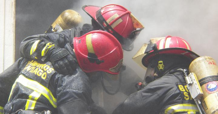 Proyecto de ley asegurará los beneficios para los bomberos accidentados en actos de servicio