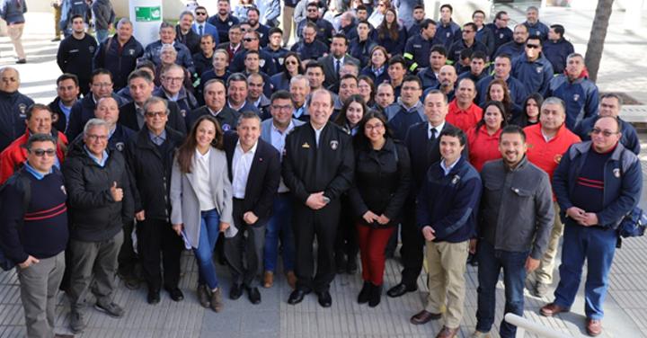 Gobierno Regional de O'Higgins anuncia inversión de 7 mil millones de pesos para la compra de 50 carros de bomberos
