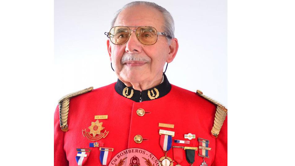 Bomberos Ñuñoa informa el fallecimiento del Miembro Honorario y Bombero Insigne de Chile Alfredo Saleh Murra (Q.E.P.D.)