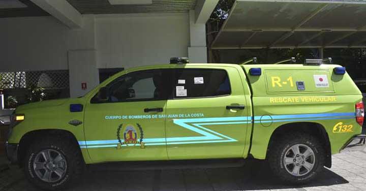 Cuerpo de Bomberos de San Juan de la Costa recibe unidad de primera intervención de rescate vehicular