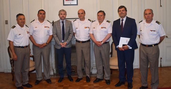 Ministro del Interior se reunió con Presidente Nacional de Bomberos de Chile para interiorizarse del trabajo y presupuesto de la institución