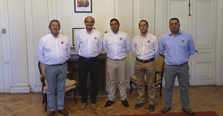 Presidente Nacional de Bomberos se reúnen con Bomberos de Nueva Imperial por renovación de Central de Telecomunicaciones