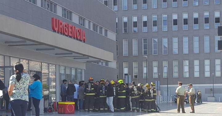 Bomberos evacuó Hospital Regional de Antofagasta por emanación de gas