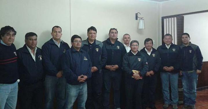 Bomberos de la zona norte se reúnen en Iquique para coordinar la visita del Papa