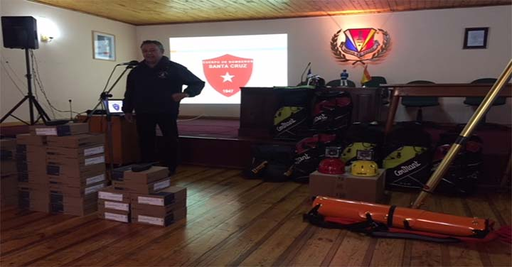 Bomberos de Santa Cruz  recibieron nuevo equipamiento