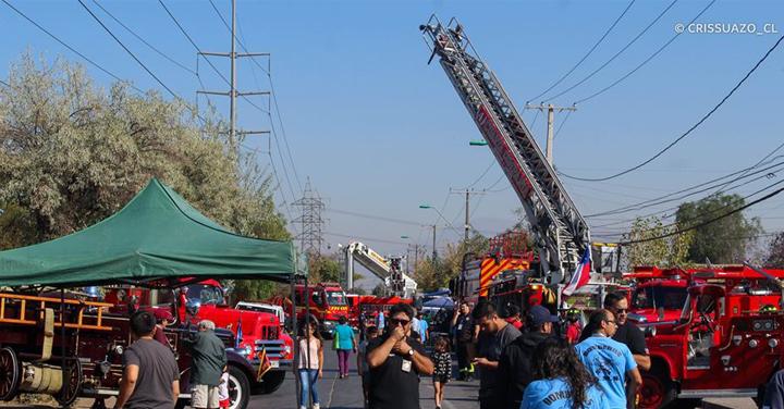 Más de 1.200 personas participaron en la primera edición de Expo Carros en Lo Espejo