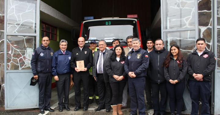 Presidente Nacional visitó el Cuerpo de Bomberos de Pucón