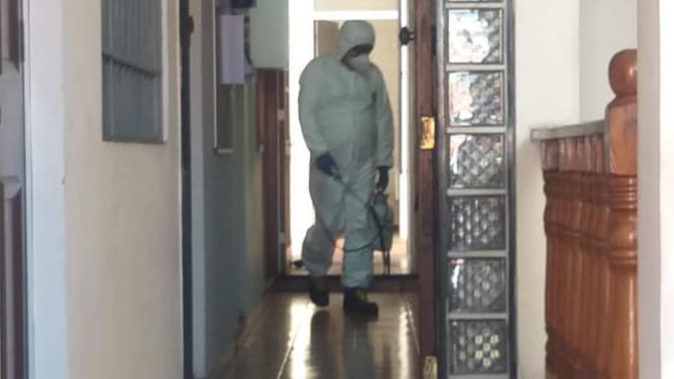 Bomberos de Antofagasta sanitizan Consejo Regional