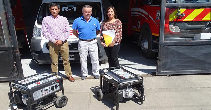 Empresa C.G.E donó dos generadores de electricidad a Bomberos de Requínoa