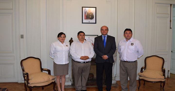 Cuerpos de Bomberos de Llanquihue y Quillota se reunieron con el Presidente Nacional