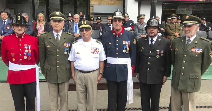 Bomberos de Temuco reconoce a Presidente Nacional Honorario de Bomberos