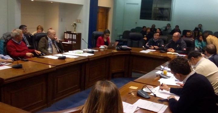 Consejo Regional de Bomberos de Ñuble realizó exposición ante autoridades de la Municipalidad de Chillán
