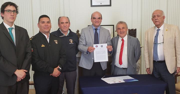 Bomberos de Chile y la Asociación de Municipalidades de la Región de Antofagasta fortalecen la colaboración y presentación de proyectos de infraestructura
