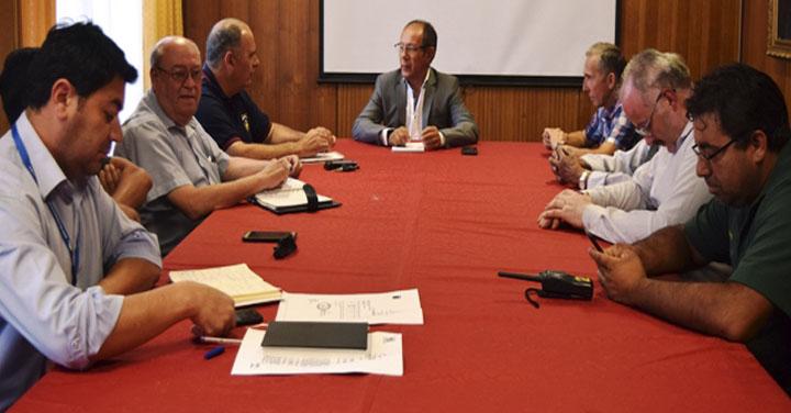 Alcalde de Villarrica se reunió con autoridades de bomberos