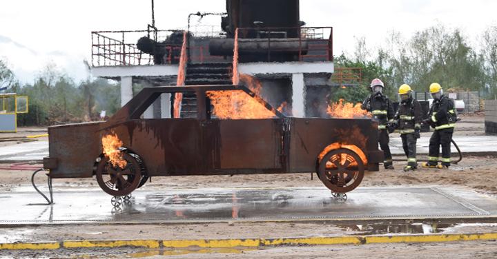 Simuladores de Fuego en Vehículos capacitan a Bomberos de Magallanes
