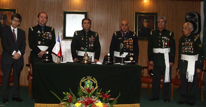 Con una sesión solemne y 138 campanadas la Primera Compañía de Rancagua celebró un año más de vida