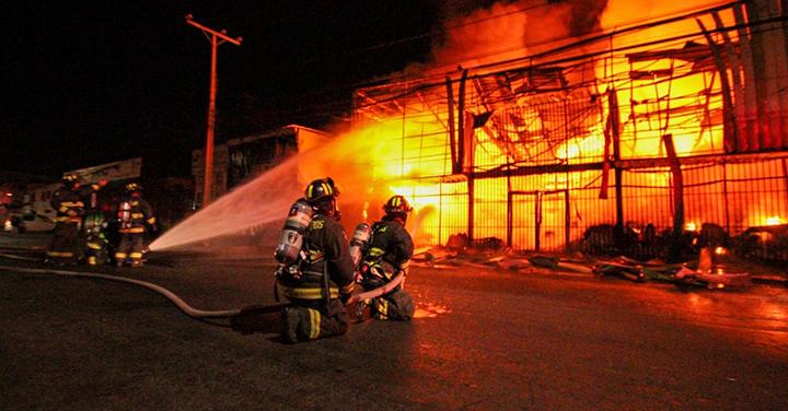 Incendio en galpón de recinto Zofri