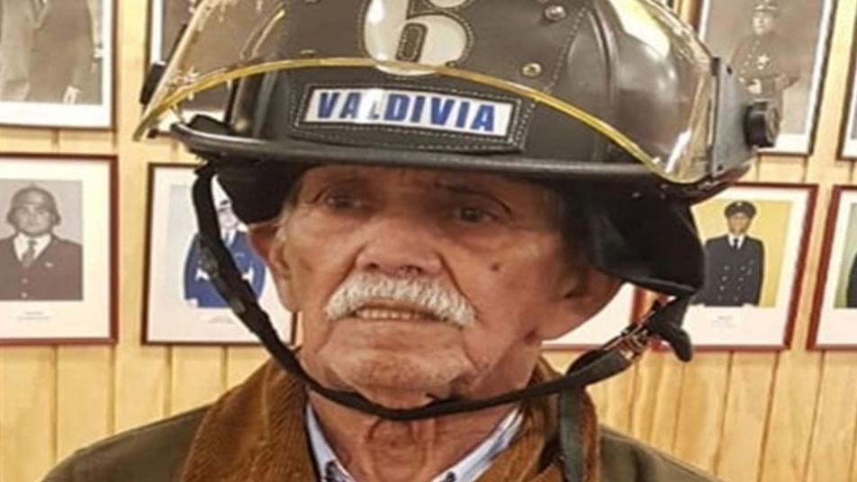 Cuerpo de Bomberos de Valdivia despidió a Voluntario Insigne de Chile
