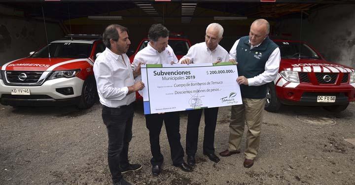 Municipio de Temuco entrega aporte de $200 millones al Cuerpo de Bomberos