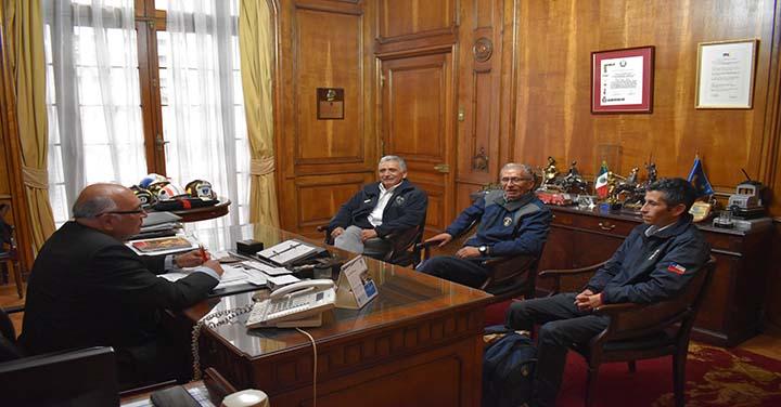 Presidente Nacional recibió a los Cuerpos de Bomberos de Lota y Lautaro
