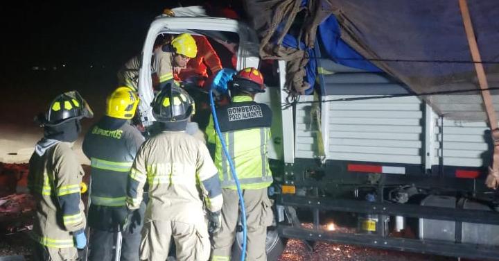Bomberos de Pozo Almonte trabajaron en accidente en la Ruta 5