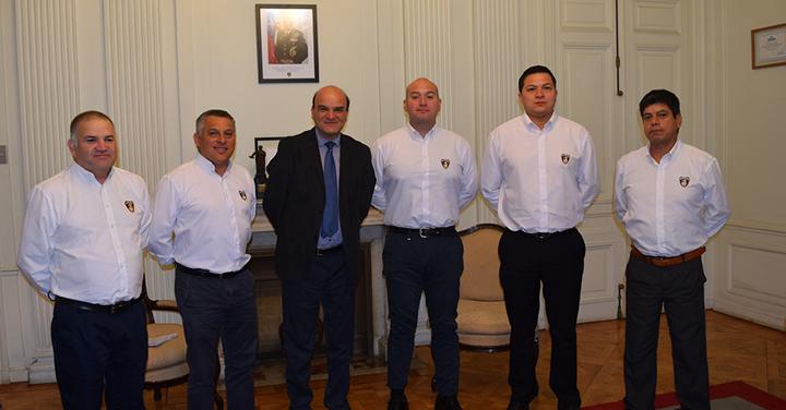 Cuerpos de Bomberos de La Serena y Osorno se reunieron con el Presidente Nacional