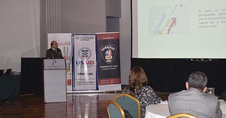 Presidente Nacional de Bomberos de Chile participó en Foro de Manejo del Fuego