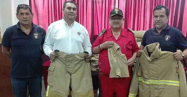 Bomberos de Arica donaron equipos normados a Tacna