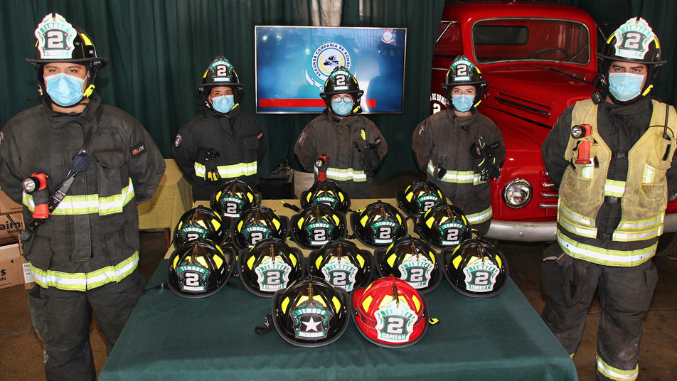 Segunda Compañía de Temuco puso en servicio nuevo modelo de casco de trabajo tipo americano