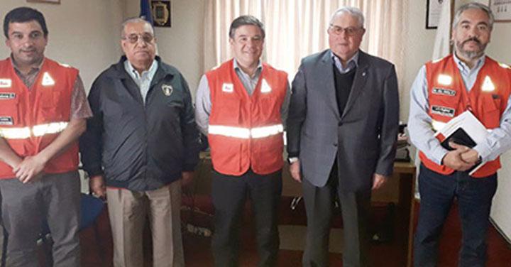Director de CONAF Los Ríos y Consejo Regional de Bomberos coordinan apoyos para enfrentar incendios forestales