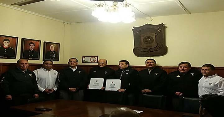 Bomberos de Iquique entregó las carpetas del proceso de acreditación USAR