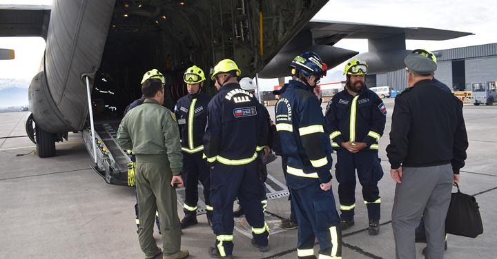 Grupo USAR Boch participó en ejercicio de movilización de carga en base de la Fach
