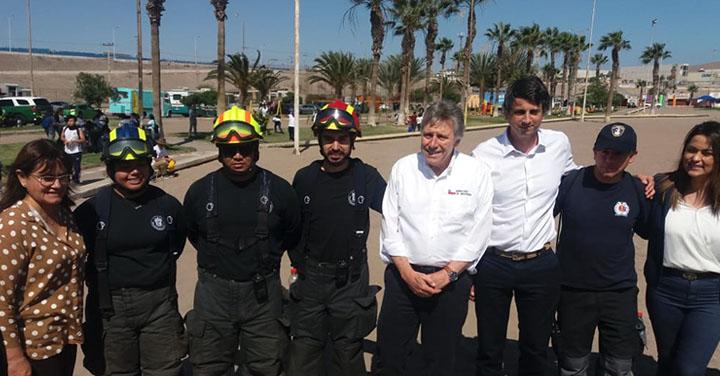 Voluntarios y Brigadieres de Bomberos de Arica participaron en el Día Mundial del Océano