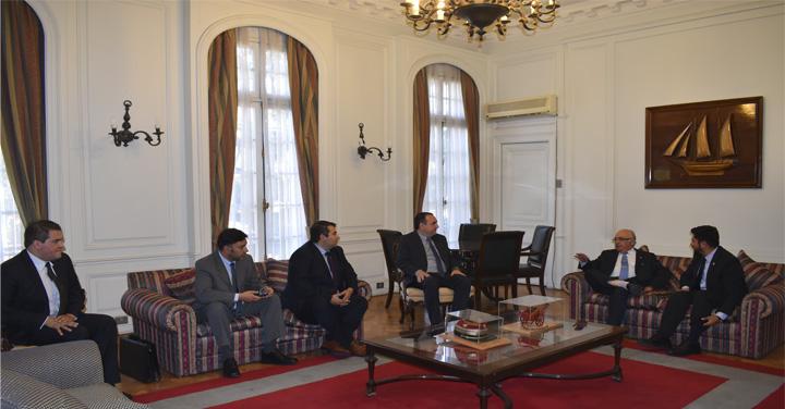 Cuerpo de Bomberos de Valdivia y Talcahuano visitan al Presidente Nacional