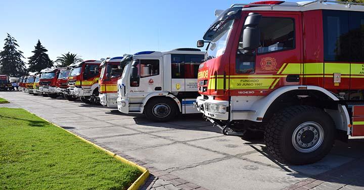 Nuevos carros bomba para los Cuerpos de Bomberos de Antofagasta, Taltal, Concepción y La Unión