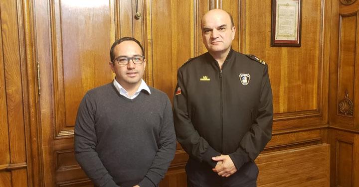 Cuerpo de Bomberos de Talagante visitó al Presidente Nacional de Bomberos
