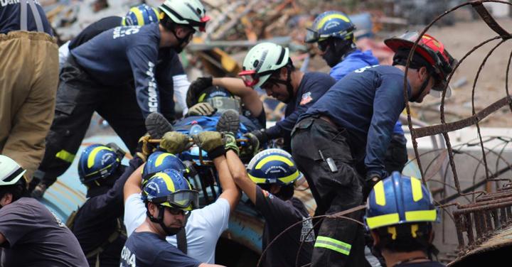Grupo USAR de Bomberos de Iquique realizó ejercicio de búsqueda y rescate con nuevo equipamiento de alta tecnología