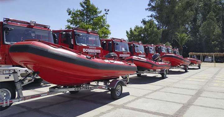 Bomberos de la Región de Los Ríos recibieron cuatro botes para Rescate Subacuático