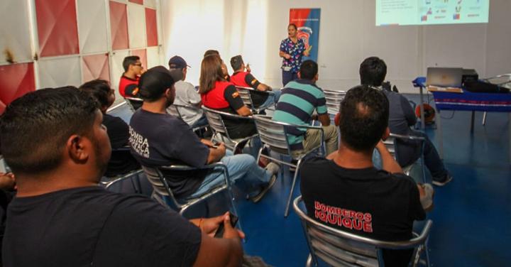 Bomberos de Iquique asiste a charla preventiva por Coronavirus