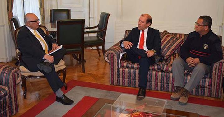 Presidente Nacional recibió a los Cuerpos de Bomberos de Valparaíso, Rancagua y La Granja