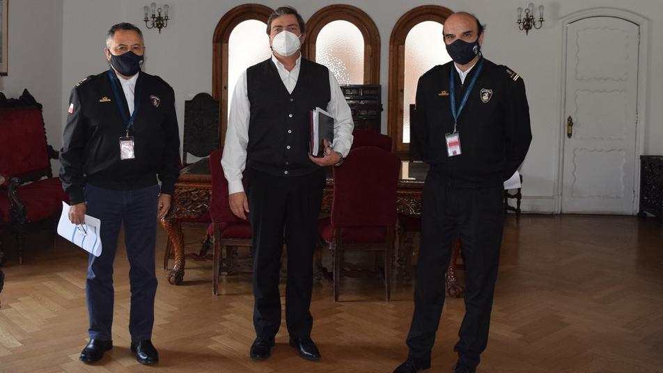 Presidente Nacional visita La Moneda para acelerar procesos administrativos y la coordinación de incendios forestales